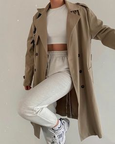 Fashion Inspiration And Trend Outfits For Casual Look - - Winter Fashion Outfits, Look Fashion, Autumn Winter Fashion, Winter Outfits, Grunge Fashion, Fashion Tips, Fashion Trends, Mode Streetwear, Streetwear Fashion