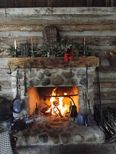 Passion for the Past: Christmas on the Farm and Other Historical Holiday Happenings 2014 Rustic Fireplace Decor, Cabin Fireplace, Rustic Fireplaces, Fireplace Design, Rustic Decor, Fireplace Ideas, Rustic Wood, Diy Christmas Fireplace, Cabin Christmas