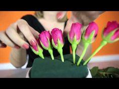Modern Floral Arrangements, Unique Flower Arrangements, Christmas Floral Arrangements, Ikebana Flower Arrangement, Flower Bouquet Diy, Beautiful Bouquet Of Flowers, Unique Flowers, Flower Box Gift, How To Wrap Flowers