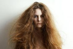 From Hair Problems Common is dry hair. For anyone looking for dry hair treatments here, we will give you natural and easy solutions. Dry hair is a very common problem in today's generation Big Hair, Your Hair, Dry Hair Treatment, Hair Regrowth, Ginger Hair, Damaged Hair, Hair Pictures, Hair Hacks, Healthy Hair