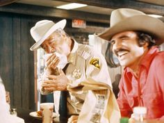 Jackie Gleason and Burt Reynolds in Smokey and the Bandit (1977)
