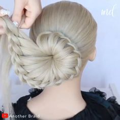 Beautiful braided bun hairstyle for bridals pretty and easy hairstyle both for everyday life and for special occasions love it! Hairdo For Long Hair, Bun Hairstyles For Long Hair, Girl Hairstyles, Party Hairstyles, Headband Hairstyles, Front Hair Styles, Medium Hair Styles, Hair Style Vedio, Braided Bun Hairstyles