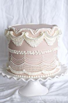 Mauve Beveled Lambeth Method Piped Cake