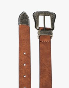 Stradivarius cinturon Boho 5,95€