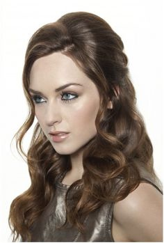 Wavy hairstyle