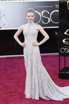 Oscar 2013 Red Carpet Gallery: Amanda Seyfried