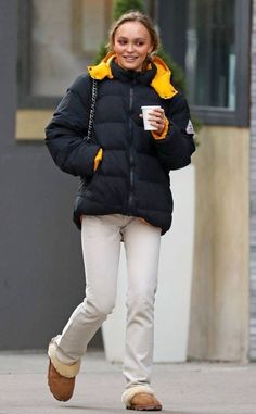 Lily Rose Depp Style, Lily Rose Melody Depp, Fall Winter Outfits, Winter Fashion, Trendy Fashion, Fashion Outfits, Winter Jackets Women, Rain Wear, Pretty Outfits