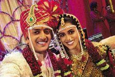 Actors Genelia D'Souza & Riteish Deshmukh at their traditional Marathi wedding