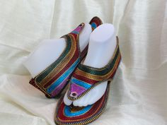 Ethnic, boho women's sandals shoes. Indian Flat shoes or sandals. Handmade, hand embroidered women's shoes. Indian Leather Punjabi shoe or sandals. Casual, summer boho, ethnic shoes. From Artikrti.