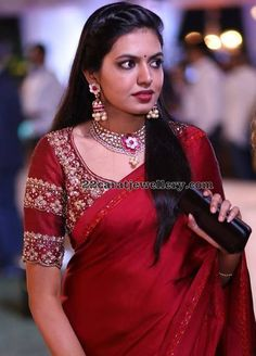 25 Dashing Red Work Blouse designs to try for your wedding - Wedandbeyond Hand Work Blouse Design, Simple Blouse Designs, Designer Blouse Patterns, Fancy Blouse Designs, Blouse Neck Designs, Design Patterns, Dress Patterns, Wedding Saree Blouse Designs, Sr1