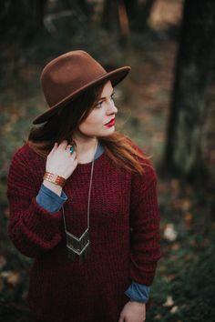 northwest pnw portrait outdoors fashion boho redhead ginger washington style photoshoots nature 50mm
