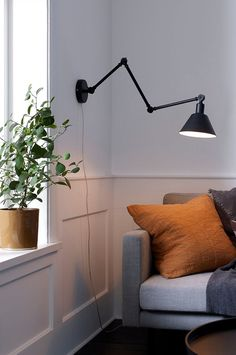 Væglampe Oxford - Lilly is Love Scandinavian Interior, Home Interior, Living Room Interior, Modern Interior Design, Living Room Decor, Living Spaces, House Doctor, Lampe Led, Plywood Furniture