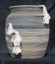 Rope basket, made with lariat rope by Jus Ropen Kreations