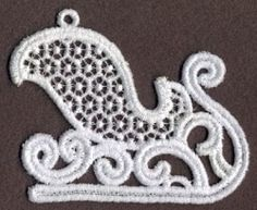This freestanding lace design make beautiful decorations for trees and wreaths. Stitch on water-soluble stabilizer. Embroidery Applique, Machine Embroidery Designs, Embroidery Patterns, Flower Quilts, Christmas Scenes, Cutwork, Xmas Crafts, Vintage Quilts, Holly Leaf