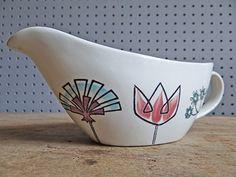 Green 'Fleur' Gravy Boat on the Gayday shape Gravy, British, Boat, Pottery, Shape, Vintage, Flowers, Ceramica, Salsa