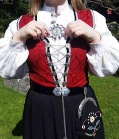 My proudest me made outfit - my Norwegian national costume - bunad. The shirt is a combined effort with my aunt. White on white embroidery in linen. Lots of hand sewing along with some blood, sweat and a couple og tears. #mmmay16 #bunad #rogalandsbunad