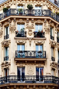 Beautiful window & balcony architecture in Paris ❤ Paris Architecture, French Architecture, Beautiful Architecture, Architecture Design, Haussmann Architecture, Windows Architecture, Parisian Apartment, Paris Apartments, Studio Apartments