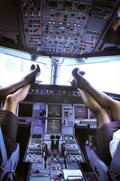 ..The Flight Attendant Life...oh yes of course it's like this everyday!