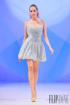 Dina Jsr - Prêt-à-porter - Primavera-Verão 2014 - http://pt.flip-zone.com/fashion/ready-to-wear/independant-designers/dina-jsr-4263