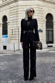 The best way to refresh the traditional business suit this season is to add a belt around the blazer to cinch the waist. Sam Miller, Black Suits, Grey Hair, Creative Director, Suits For Women, Alexander Mcqueen, Fashion Jewelry, Stylists, Paris Paris