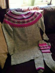 Tunika Pullover, Sweaters, Fashion, Tunic, Moda, Fashion Styles, Sweater, Fashion Illustrations, Sweatshirts
