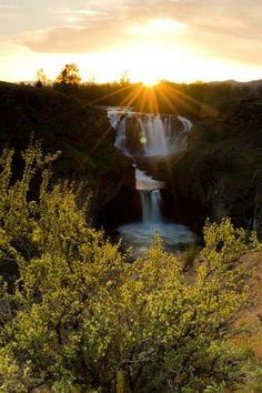Maupin, Oregon https://www.stopsleepgo.com/vacation-rentals/oregon/united-states