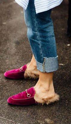 ¿Qué calzado se usa esta temporada?  Los clásicos mocasines de Gucci, en una nueva versión de color, sin talón y con piel. Foto: Gentileza INTI