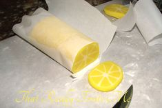 That Really Frosts Me: Fondant Lemon Slices