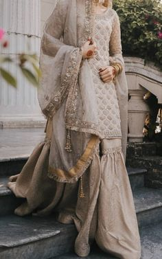 Nikkah bride - Source by riazkhillet - Pakistani Fashion Party Wear, Pakistani Wedding Outfits, Pakistani Bridal Dresses, Pakistani Dress Design, Bridal Outfits, Pakistani Sharara, Nikkah Dress, Shadi Dresses, Pakistani Formal Dresses