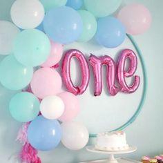 1. geburtstag baby deko hula hoop reifen ballons
