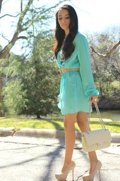 Tiffany blue dress with nude accessories