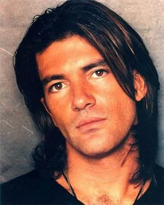a young, ridiculously beautiful Antonio Banderas