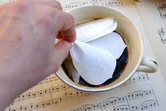 The White Bench: Tutorial: Coffee Filter Roses. Bbq Sticks, Coffee Filter Roses, Spice Tins, Magic Recipe, Crepe Paper Flowers, Coffee Staining, Paper Flower Tutorial, Paper Tape, Meaningful Gifts