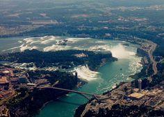 Google Image Result for http://www.richard-seaman.com/USA/States/NewYork/NiagaraFalls/HelicopterTrip/BothWaterfallsAndBanksFromTheNorth.jpg