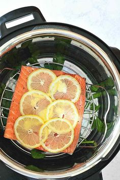 Instant Pot Lemon Pepper Salmon - Wholesomelicious - Your new favorite way to cook salmon! You'll love this easy Instant Pot Lemon Pepper Salmon that - Instant Pot Pressure Cooker, Pressure Cooker Recipes, Pressure Cooking, Slow Cooker, Salmon Recipes, Seafood Recipes, Fennel Recipes, Whole30, Pasta Facil
