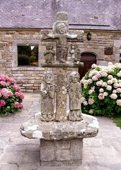 Calvaire, Penn Lann, Billiers, Morbihan | Flickr -- The simplest and least sophisticated Calvary I have ever seen, and the most affecting.