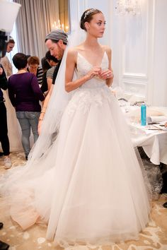 Monique Lhuillier - Spring summer 2016 bridal shows in New York | Best wedding dresses from Marchesa, Oscar de la Renta, Carolina Herrera | Harper's Bazaar