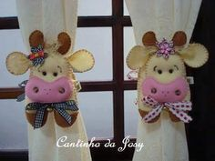 Pin by Iris Zelaya on Manualidades Doll Crafts, Sewing Crafts, Sewing Projects, Felt Patterns, Sewing Patterns, Cow Craft, Cow Pattern, Felt Fabric, Felt Toys