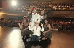 Tiago Abravanel recebe famosos no palco durante show no Rio. Thyago Andrade/Fotorio News
