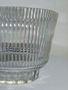 Karhulan lasi Göran Hongell 1940-luku Lassi, Punch Bowls, Glass Art, Perfume Bottles, Modern, Design, Trendy Tree, Jar Art