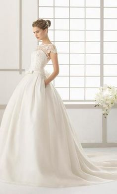 Rosa Clara Dallas: buy this dress for a fraction of the salon price on PreOwnedWeddingDresses.com