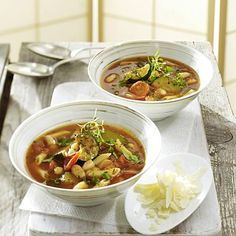Our popular recipe for Minestrone Italian vegetable soup and more than more free recipes on LECKER.de, The post Minestrone Italian vegetable soup appeared first on Woman Casual. Italian Vegetable Soup, Vegetable Soup Healthy, Italian Vegetables, Italian Soup, Healthy Vegetables, Italian Dishes, Italian Recipes, Vegetable Recipes, Healthy Pasta Recipes