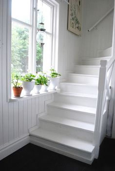 Stairs painted diy (Stairs ideas) Tags: How to Paint Stairs, Stairs painted art, painted stairs ideas, painted stairs ideas staircase makeover Stairs+painted+diy+staircase+makeover Painted Staircases, Painted Stairs, Painted Floors, Staircase Remodel, Staircase Makeover, Modern Staircase, Staircase Design, Staircase Ideas, Stair Idea