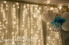 This would be awesome for a little girls room done in frozen theme