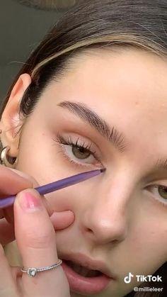 Tik Tok tips Makeup Eye Looks, Cute Makeup, Pretty Makeup, Skin Makeup, Eyelashes Makeup, Simple Makeup, Normal Makeup, Makeup Looks Tutorial, Makeup Makeover