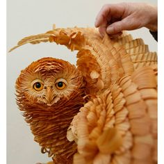 Pre-paper art. Wood chip sculptures by Sergei Bobkov.