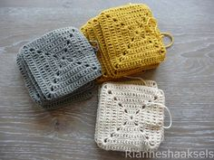 Granny square pattern in Dutch by Rianneshaaksels Granny square pattern in Dutc. Granny square pattern in Dutch by Rianneshaaksels Granny square pattern in Dutch by Rianneshaaksel Crochet Afghans, Crochet Diy, Crochet Motifs, Crochet Amigurumi, Love Crochet, Crochet Blanket Patterns, Crochet Stitches, Knitting Patterns, Point Granny Au Crochet