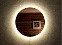 ronde spiegel met LED aan de achterzijde op maat gemaakt
