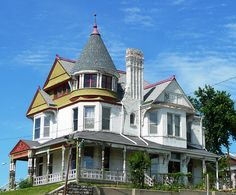 Constructed in 1888 and in the Museum Hill Historic District, National Register Saint Joseph Missouri, St Joseph Mo, Victorian Architecture, Amazing Architecture, Victorian Style Homes, Second Empire, Victorian Furniture, Grand Homes, Romanesque