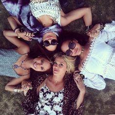 Vanessa Hudgens and friends 4 Best Friends, Best Friend Pictures, Bff Pictures, Best Friend Goals, Best Friends Forever, Friendship Photos, Best Friend Photography, Sister Photography, Sister Photos